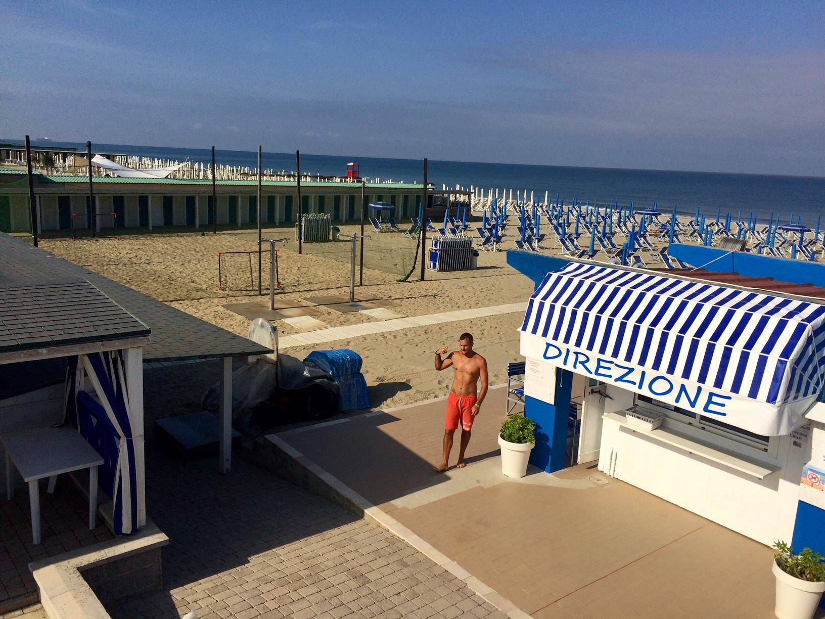 La spiaggia a tirrenia pisa u2013 bagno rosa u2013 stabilimento balneare